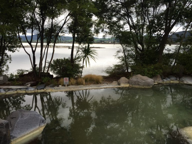 Rotorua: des bains au pays des volcans