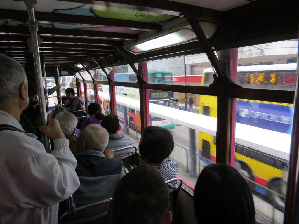 Intérieur du tramway à Hong Kong