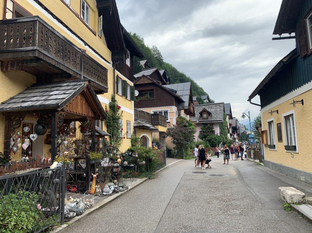 rue commerçante à Hallstatt